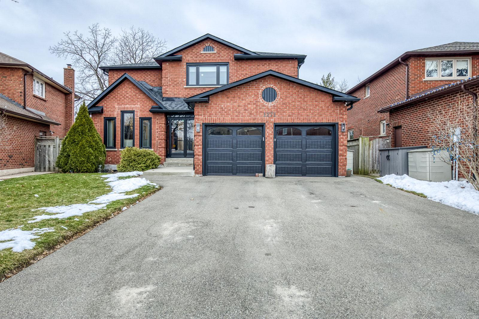 1271